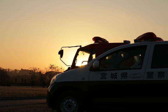大崎バルーンフェスティバルは、日本気球連盟公認の競技大会で、全国から熱気球のチームが参加してその技術を競い合います。競技開始は朝と午後の2回(最終日は午前のみ)。1回目の競技は夜が完全に明けきらないうちから始まります。