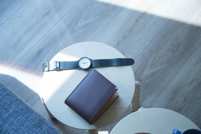 ベーシックなデザインですが、実はコインケースの取り外しができるという、ちょっとめずらしい機能を持った財布です。札入れと別に持ち歩きたい時や、小銭入れひとつで外出したい時に便利!