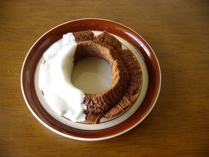 こちらが噂のクッキードーナツ。固めのざっくり食感が人気のメニューです。