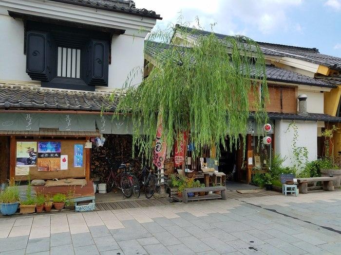 上田のパン屋といえば「ルヴァン信州上田店」。  北国街道柳町の風情ある街並みの中にあるこの店は、東京・富ヶ谷の名店「ルヴァン」の支店です。ルヴァンのオーナーの故郷である上田に2004年に誕生しました。