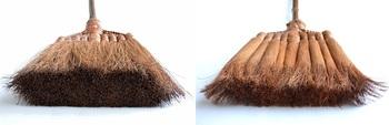穂先の厚みにもこんなに違いが。鬼毛は強くしなやかな繊維で、棕櫚のほうきの最高級品とされています。一方の皮巻きは、繊維が細くスタンダードなタイプ。お好みで選ぶのもオススメです☆