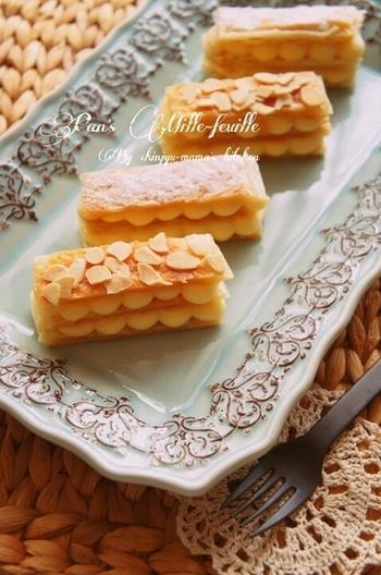 オーブンを使わないのでさらに簡単! こんなに簡単にミルフィーユができちゃうの!?と驚きのレシピです。 簡単な分、カスタードにこだわりたいですね。