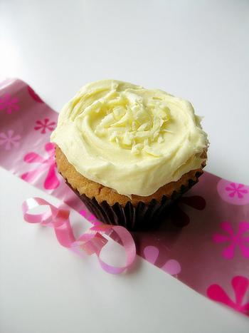 カップケーキのトッピングのバタークリームに混ぜてアップルバタークリームにすると、おいしさ倍増です。