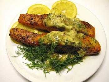 レモンバターは、サーモンのムニエルなど、白身魚のお料理との相性も◎爽やかな風味とバターのコクがお料理を引き立ててくれます。