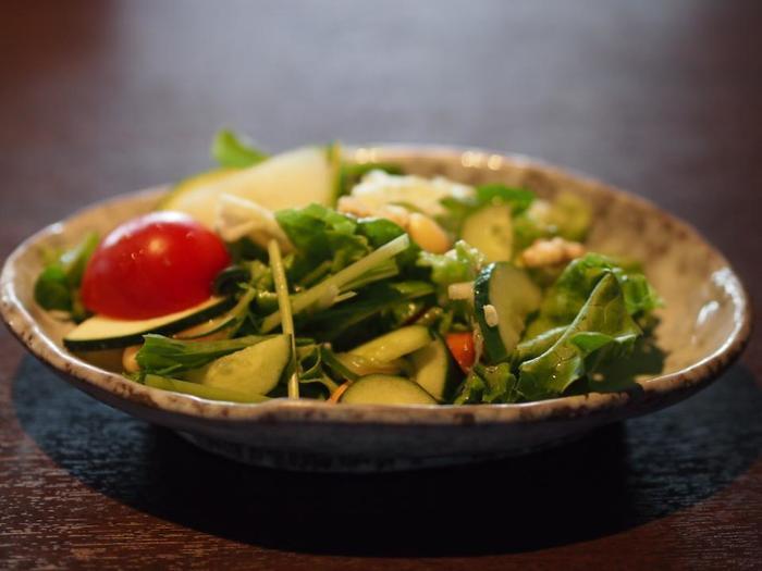 野菜の美味しさに定評があります!近江野菜サラダも食べ放題なので、お腹いっぱい食べてももたれません。