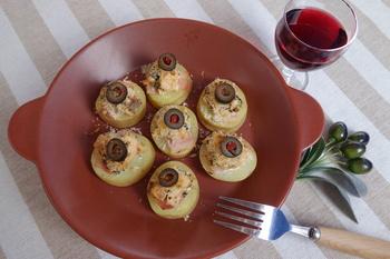 野菜を使ったカナッペもキレイで、健康的。ナス、ズッキーニ、アボカドを上手く活用したヘルシーなカナッペもおもてなしに喜ばれそうです。