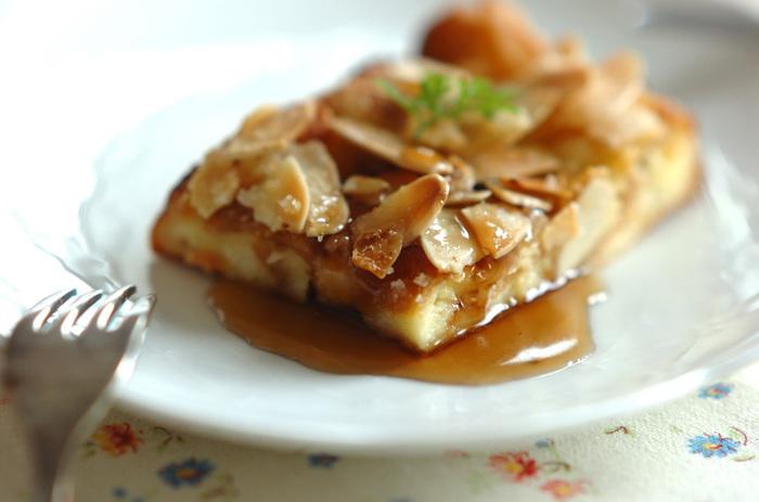 オーブンで作るフレンチトーストレシピ。下ごしらえした後はオーブンにお任せなので、ゲストをお迎えする時にもおすすめです。最後にかけるメープルで本格的なスイーツの味わいに。