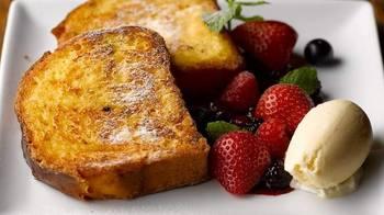 自家製ブリオッシュのフレンチトーストはカフェタイム限定。これだけを目当てに足を運ぶ人もいるんだとか。