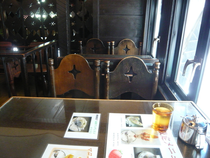 川端康成や、永井荷風、手塚治虫らも訪れた浅草を代表する名店です。