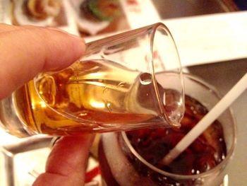 中でも自家製梅酒を注いで楽しむ梅ダッチコーヒーは人気の逸品。