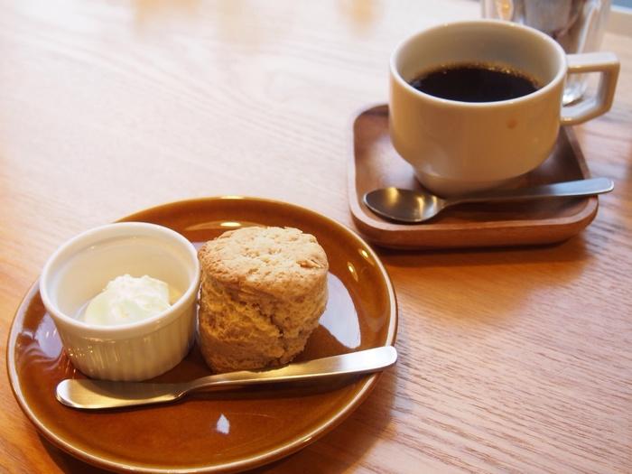 メープル・チョコ・クランベリーからお好みのスコーンを選べる「スコーンドリンクセット」も人気です♪