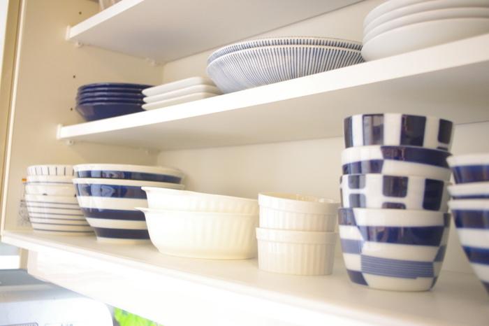 食器棚をざっと見渡して、似たようなものや、デザインが違っても用途がかぶっているものはありませんか?該当するものは、手放してしまっても大丈夫です。