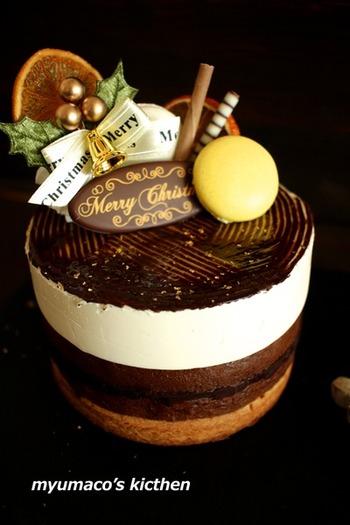 ババロア・ガナッシュ・スポンジタルトと三層のケーキは、特別な日やパーティーにおすすめです!デコレーションにも凝りたいですね。