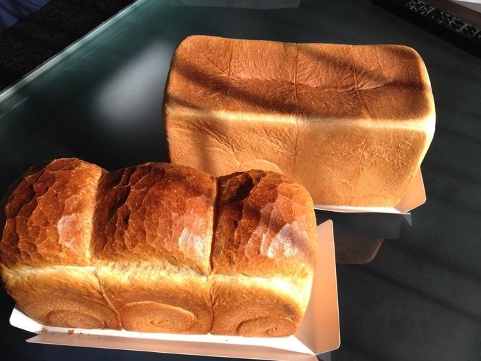 山型が可愛らしいイギリスパンは、北米産小麦を使って低温発酵で作るパン。薄切りをカリカリに焼いていただくのがおすすめです。