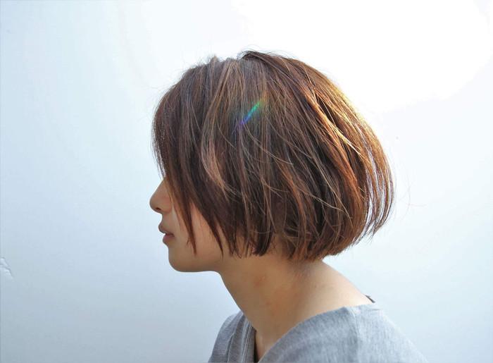 暖色系のカラーは髪をつやつやに見せてくれます。お手入れが行き届いた印象を与える素敵カラー。