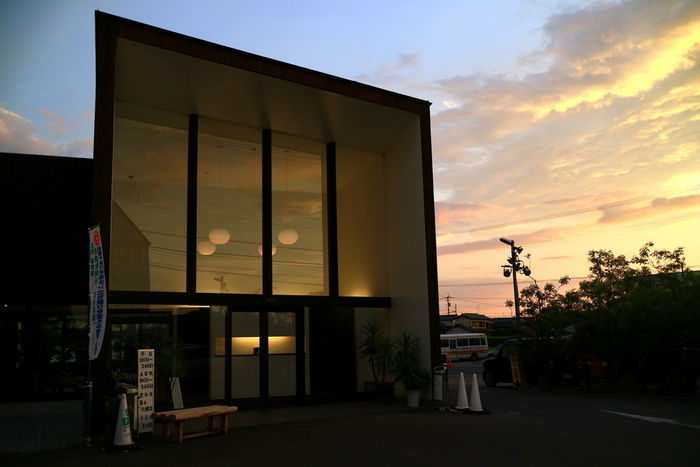 """香川県高松市にある""""仏生山温泉""""は今、お洒落な温泉スポットとして人気が集まっているんです。"""