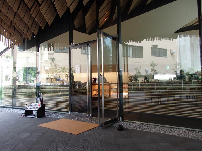 「懐徳園」そばにある「廚菓子くろぎ」は、湯島の和食店「くろぎ」が、東大構内に開いた和菓子&カフェ。本郷キャンパスで最近話題のスポットです。