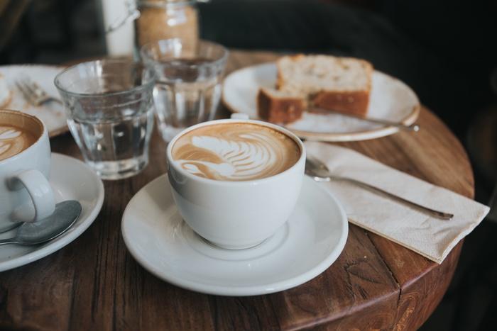 人気のカフェも朝早い時間なら並ばずに入れます。早起きできた日は、気になっていたカフェに出かけてみましょう♪贅沢な気持ちになれますよ!