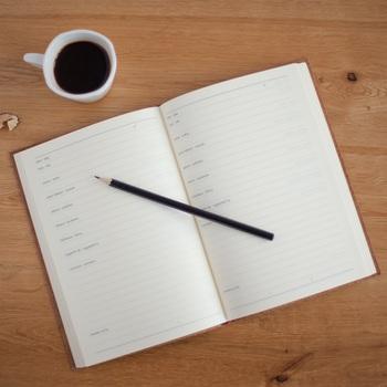 しっかりとスケジュールを立てると、一日を有意義に過ごせます。仕事などの予定がはっきりすると空き時間や終わる時間もわかって、何か楽しい予定を自分で用意することもできますね!
