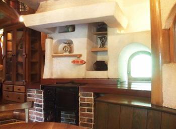 こちらはムーミンママがごはんを作る使い勝手のよさそうな立派なキッチンです。