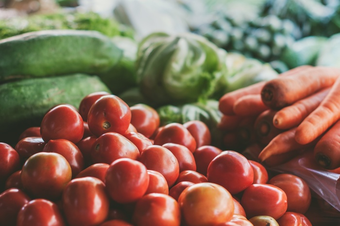 野菜をたっぷりとることができるラタトゥイユは、夏の定番料理。多めにサーブしてバゲットがあれば、主食にもなる健康的な一皿です。