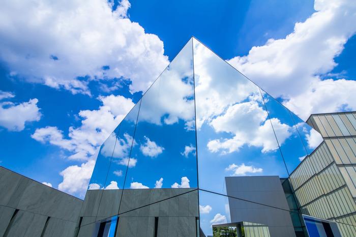 小高い丘の上にあるためテラスから豊田の市街が一望でき、とにかく開放感たっぷり。