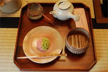 栽培から製造、販売までを手掛けているため、品質も安心。 京都ならではの可愛らしい和菓子は、目で見ても楽しむことができますね。