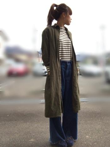 秋カラーと言えば、やはりカーキは外せませんね。ウエストインしたボーダーシャツ、ワイドパンツでシンプルなのに大人っぽいコーデです。