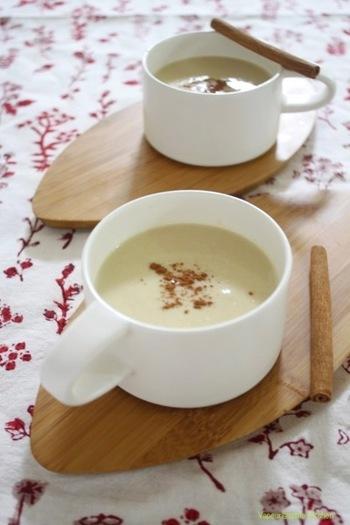 甘いひよこ豆と甘酸っぱいりんごのハーモニーが優しいポタージュは、胃腸が疲れている時におすすめ。豆乳を使っているので、後味の軽さも良いですね。