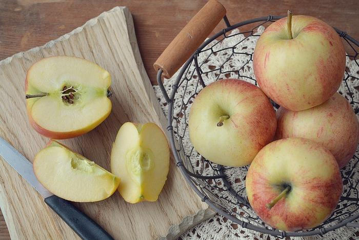 """丸ごと美味しい!「りんご」の""""おかず""""と""""スイーツ""""レシピ集めたよ。"""