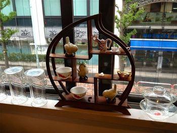 店内の飾られた茶器は、購入も可能です。