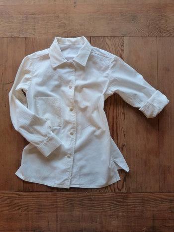 全体を洗う前に、ボタンやファスナーは全部閉め、リボンなどの外せる装飾は、外しておきましょう。
