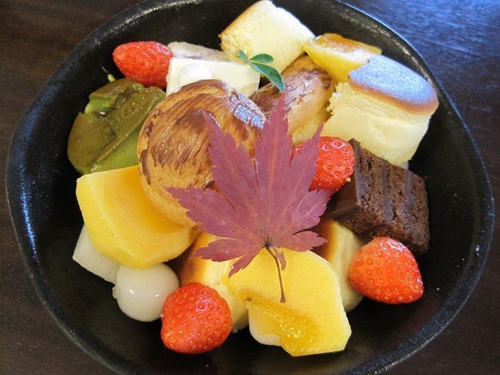 秋のスイーツといえば、栗やさつまいも、ブドウや柿などを使ったもの。食べるだけで秋を感じられますよね。京都で、秋しか食べられない限定のスイーツを味わいませんか?