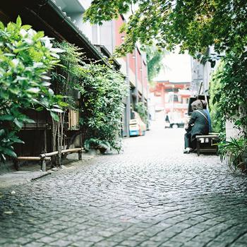 神楽坂は小さなエリアですが、一日では回りきれないほど素敵な場所がたくさんあります。路地裏をのんびり散策しながら、お気に入りのスポットを見つけてみましょう!
