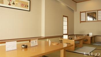 2階にはのんびりできるお座敷席も。つい長居してしまいたくなる居心地の良さがあります。