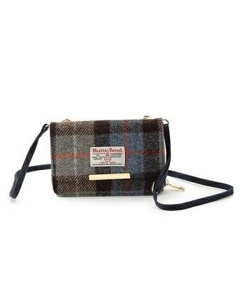 荷物は最低限に!な方やイベント時などに便利なお財布ショルダーです。 ショルダーストラップは取り外しができるのでバッグインバッグとして使ってもいいですね。
