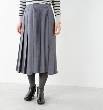 """ちょうどいい女性らしさ。""""プリーツスカート×カジュアルアイテム""""でつくる【フェミニンコーデ】"""