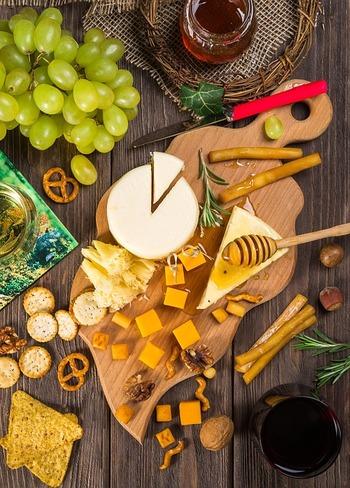 """""""マリアージュ""""という言葉には「飲み物と料理の組み合わせが良いこと」という意味もあります。一般的にはワインと料理の組み合わせについて使う場合が多いです。 ワインとお食事の相性がいいと、美味しい幸せが倍増です。"""