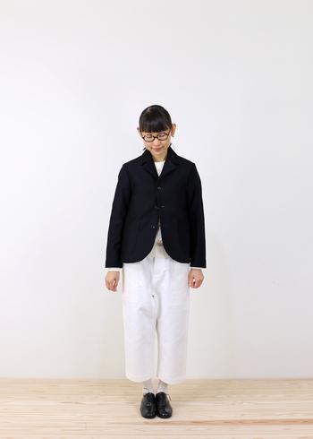 オールドマンズテーラーのしっかりした生地で仕立てられたテーラードジャケット。ボリュームのあるスカートやワイドパンツとも好相性のアイテムです。