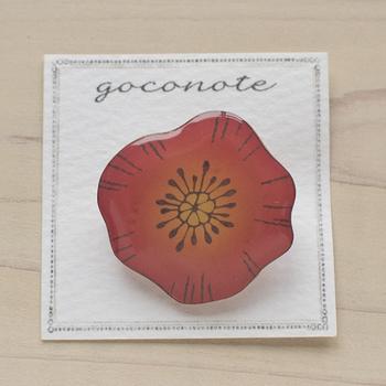 ★ 「アネモネのブローチ」・・・赤いグラデーションが美しいアネモネのブローチです。プラ版に印刷し、レジンでコーティングし艶やかに仕上げています。