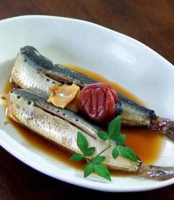 骨まで柔らかくて栄養満点!梅の効果でいわしの臭みを消してくれるので、お魚が苦手でも食べられちゃうかも。