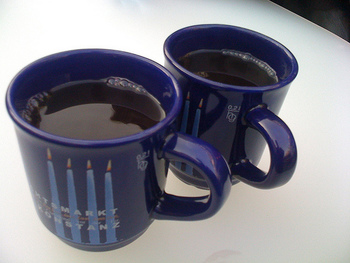 地域やお店毎にオリジナルのカップが用意されているので、かわいいデザインや形のものに出会ったらお土産として持って帰りましょう。