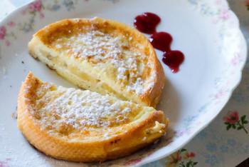 スタッフドフレンチトーストは、クリームチーズやフルーツなどを挟んだフレンチトースト。いつものフレンチトーストにちょっとアレンジを加えることで新鮮な発見があります!