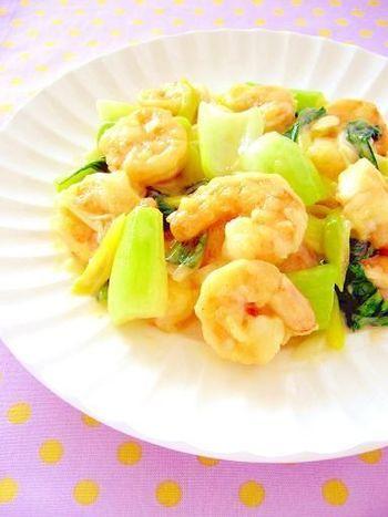 エビとチンゲン菜の炒め物は、ごはんが進む美味しさです。白みそとマヨネーズで、簡単に味に深みがでますよ。
