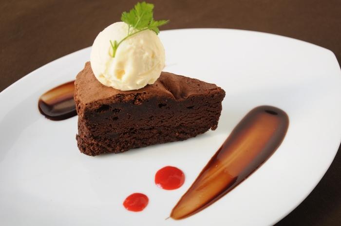 居心地の良い空間で美味しいケーキをいただきながらティータイムを楽しみ、梅田の喧騒を忘れてみませんか。