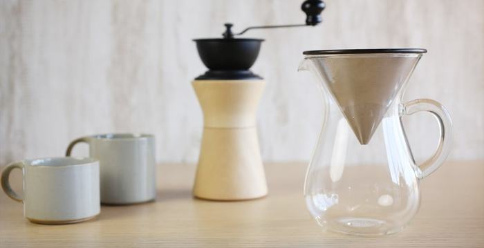 美しいプロダクトのステンレス製のペーパーレスで使用できるドリッパー。 ペーパーとは違いコーヒーに含まれ旨味にもなる油分も綺麗に抽出できます。