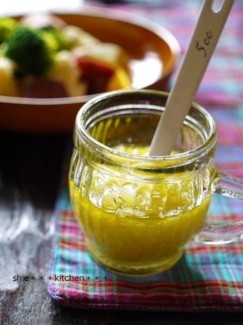 リンゴとセロリのドレッシングは、リンゴの優しい甘みと、独特なセロリの風味を、ワインビネガーがマイルドに合わせてくれていて、とっても美味しい!