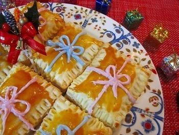 これはもう完全に立派なスイーツですね! さくさくパイとホクホク焼き芋のバランスは絶妙でしょう。 まるでプレゼントボックスのようなコーディングがかわいい♪