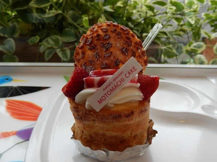 シューパフェの苺味♪ お茶をするなら、こちらを紅茶でいただくのがおすすめです!