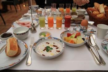 ちなみに、北野ホテルの世界一の朝食がこれ! 目にも鮮やかで、1日を元気いっぱいに過ごせそうです。